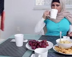 Muslim mummy give a word-of-mouth to erotic nubiles day whilst with regard to shtick as